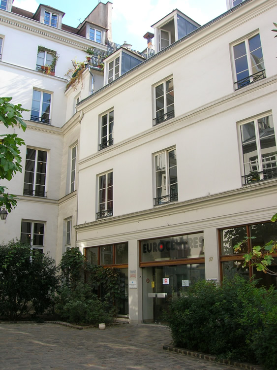 paris_school_building_563_751_3