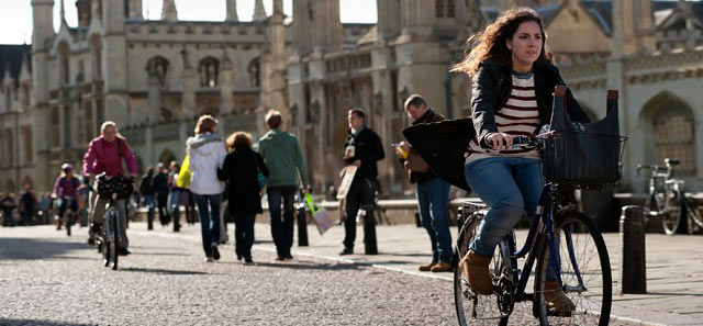 cambridge-city-students-cycling