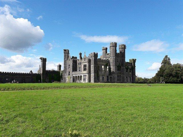 saunderson castle